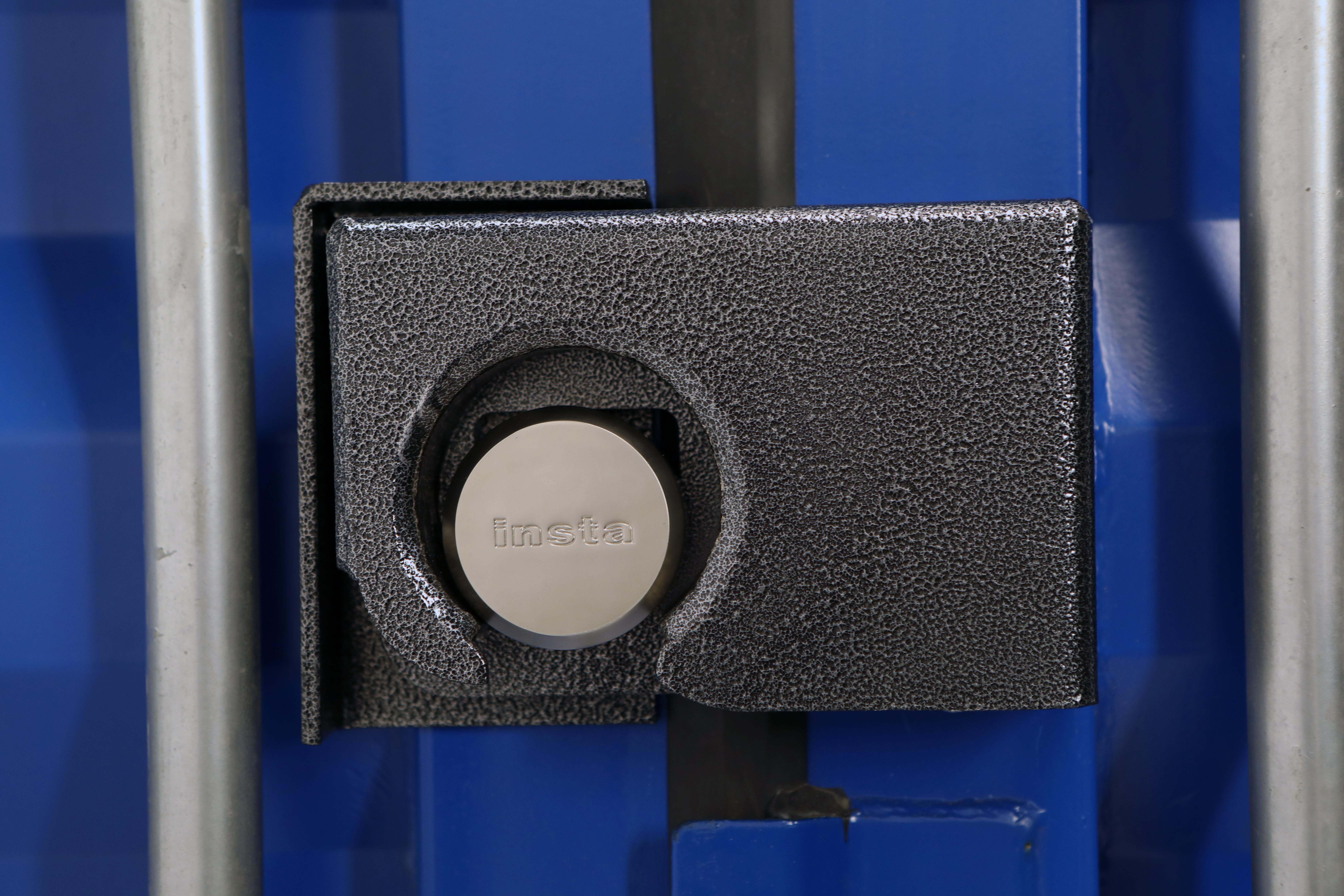 #3233 Insta Bolt-On Puck Lock Box
